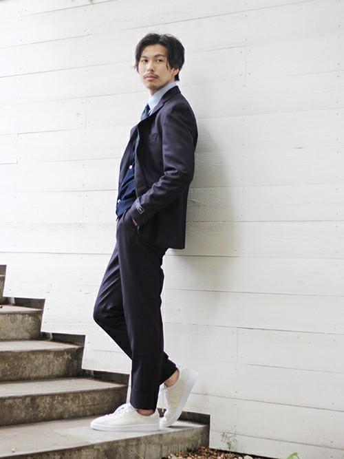【完全版】王道「ネイビースーツ」の着こなし術:ネイビースーツの基礎からワンランク上のおしゃれまで 23番目の画像