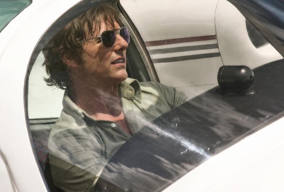 敏腕パイロットからコカインの運び屋に?トム・クルーズが体を張って演じる最新映画は実話かホラ話か 1番目の画像