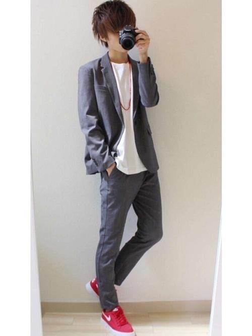 スーツにスニーカーはあり?なし? お洒落なスーツ×スニーカーコーデ&スニーカー3選 10番目の画像