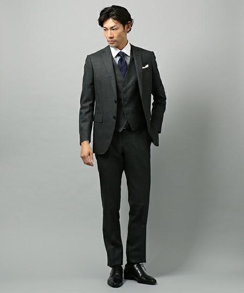 結婚式にNGなスーツって?男性ゲストの結婚式服装マナー&王道スーツコーデ 14番目の画像
