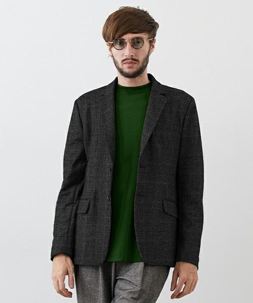 秋冬のスーツスタイルは「セーター」を取り入れる! スーツとセーターの着こなしを徹底解説 8番目の画像