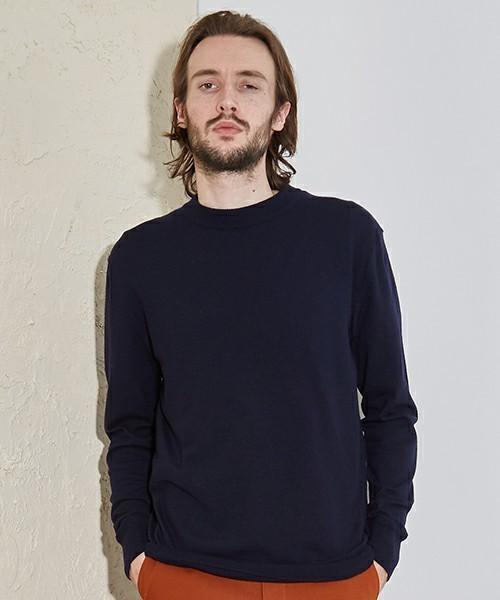 秋冬のスーツスタイルは「セーター」を取り入れる! スーツとセーターの着こなしを徹底解説 2番目の画像