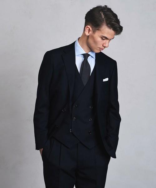 お洒落にスーツ×ベストを着こなすコツ。スーツ×ベストのおすすめコーデ集 1番目の画像