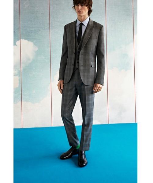 お洒落にスーツ×ベストを着こなすコツ。スーツ×ベストのおすすめコーデ集 5番目の画像