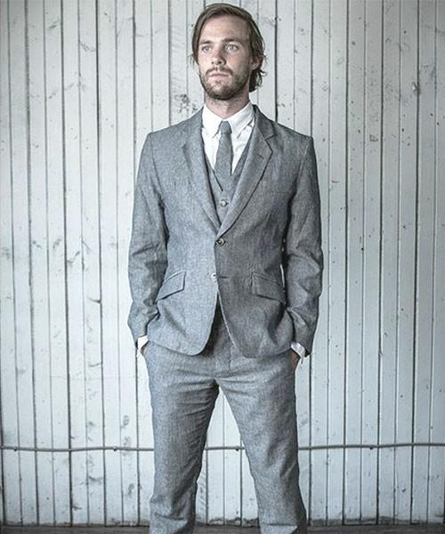 お洒落にスーツ×ベストを着こなすコツ。スーツ×ベストのおすすめコーデ集 11番目の画像