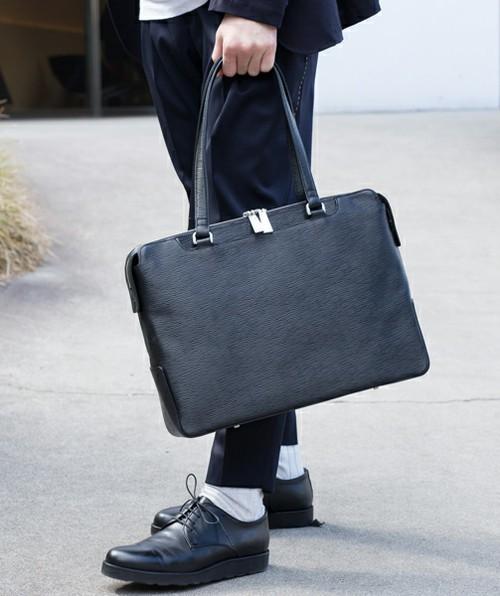 オフィスにトートバッグはあり派?なし派?A4サイズがラクラク入るビジネストートバッグ特集 5番目の画像