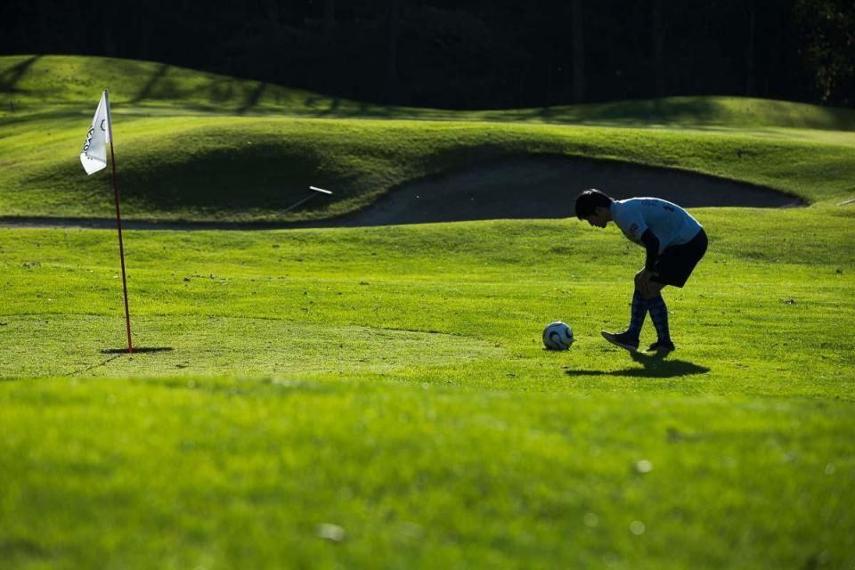 "【MEN'S EX】""フットゴルフ""って何?注目スポーツ・フットゴルフの魅力やルール、やり方を徹底解説 2番目の画像"