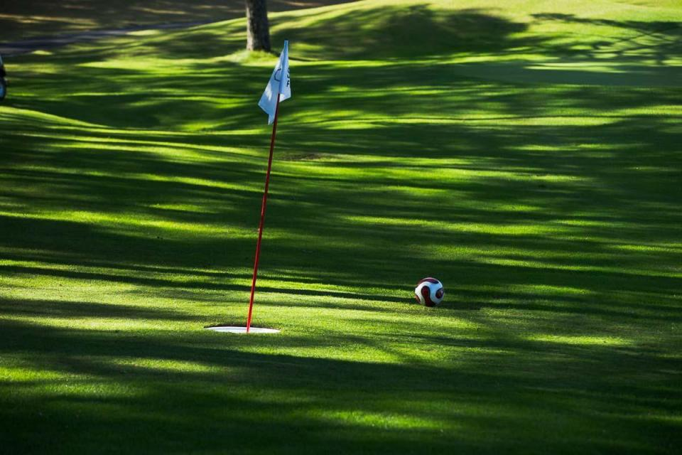 "【MEN'S EX】""フットゴルフ""って何?注目スポーツ・フットゴルフの魅力やルール、やり方を徹底解説 3番目の画像"