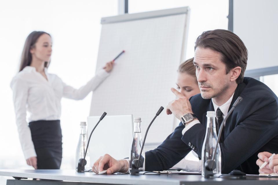 """司会とパネリストの役割とは?ダラダラした""""パネルディスカッション""""にしない「進め方」のテクニック 1番目の画像"""
