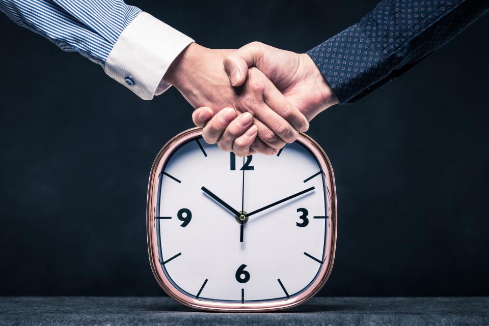 深夜のメール送付はNG?ビジネスメールを送る時間帯に関するマナー 1番目の画像