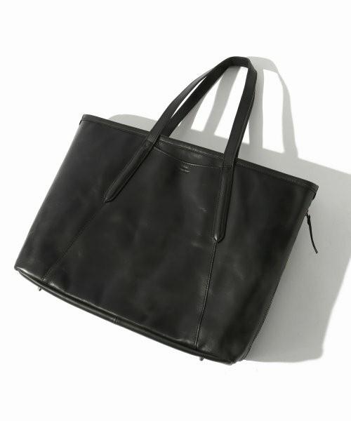 プライベートからビジネスまで使える、新年に欲しいレザーバッグを価格帯別にラインナップ! 1番目の画像