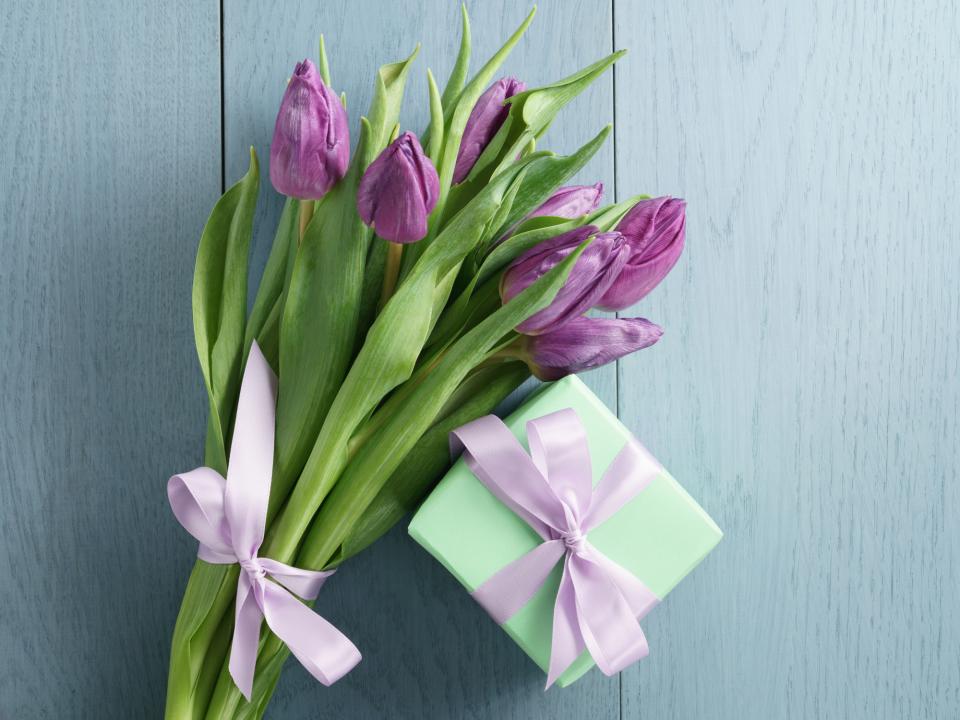 【花束の色に迷う人必見】送別会で送る花束を選ぶときに役立つ、男女別オススメの花色は? 5番目の画像