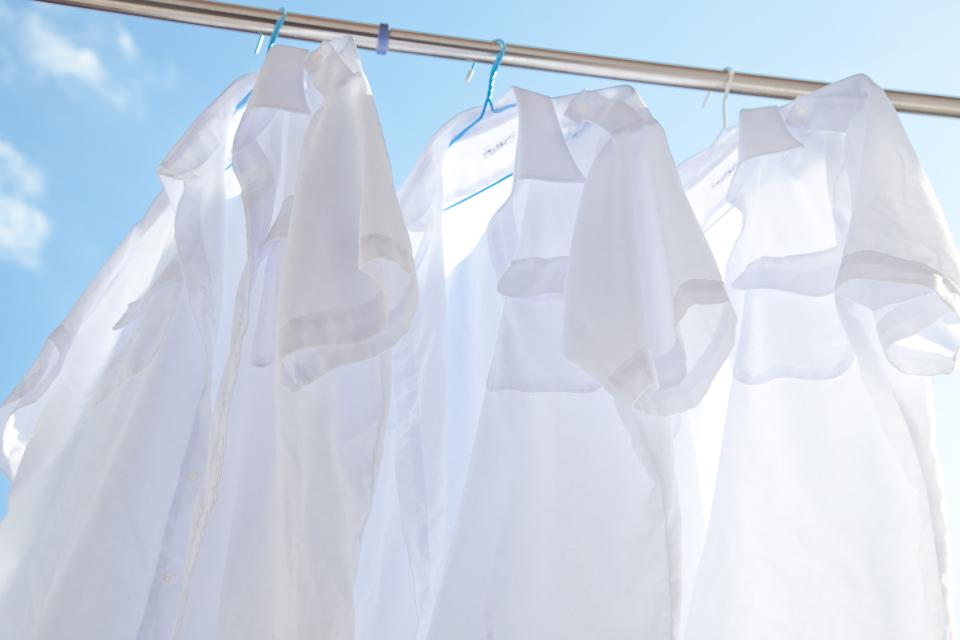 「シワひとつ付けない」ワイシャツ収納術:型崩れ・シワを防ぐワイシャツのたたみ方を紹介! 1番目の画像