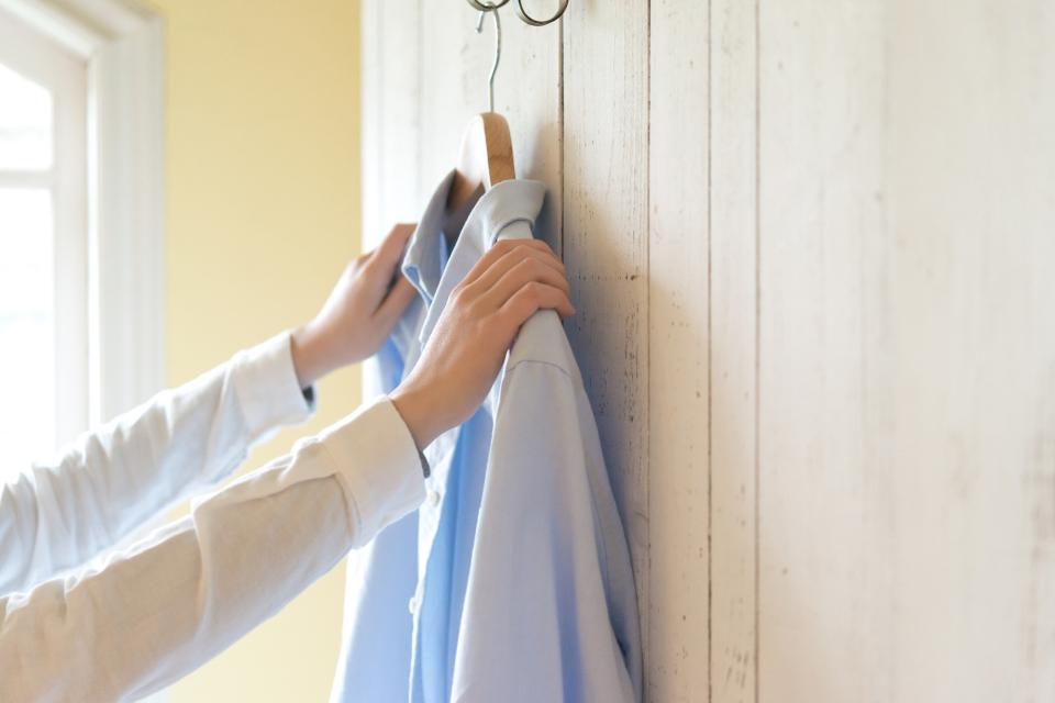「シワひとつ付けない」ワイシャツ収納術:型崩れ・シワを防ぐワイシャツのたたみ方を紹介! 2番目の画像
