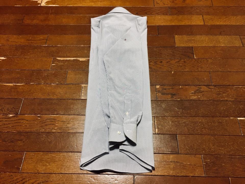 「シワひとつ付けない」ワイシャツ収納術:型崩れ・シワを防ぐワイシャツのたたみ方を紹介! 6番目の画像