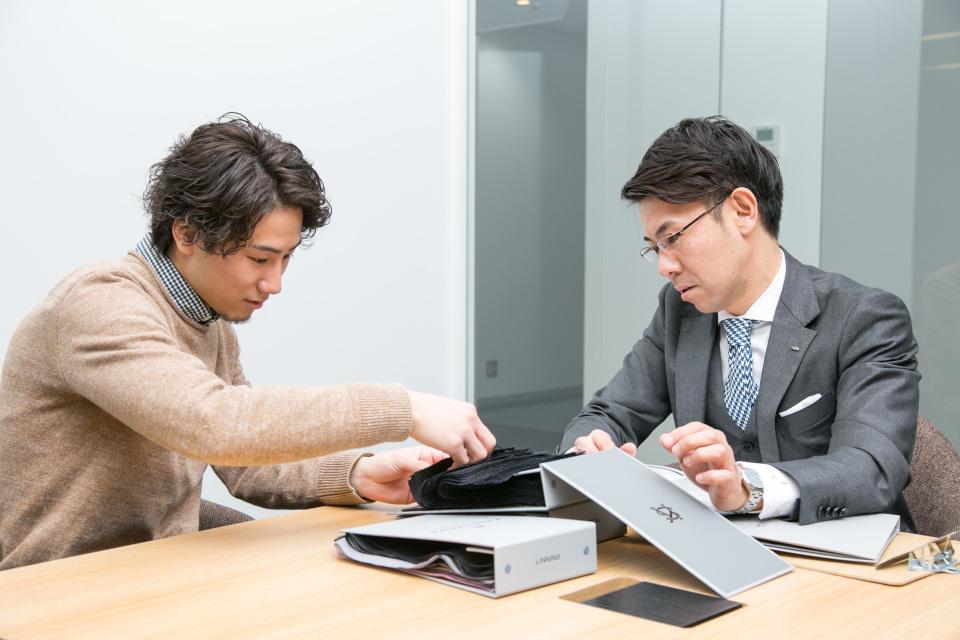 新卒営業マンが3万円からオーダーメイドスーツがつくれる「スマートテーラー」でビシっと大変身! 5番目の画像