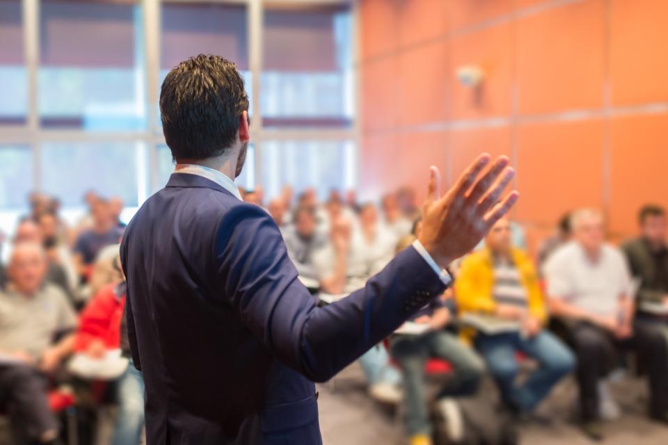英語でスピーチをするときに使う原稿の覚え方のコツ 2番目の画像