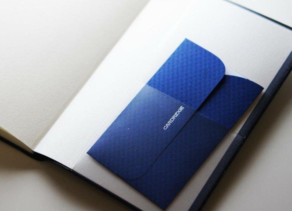名刺を手帳や財布に入れて持ち歩く場合のマナー 1番目の画像