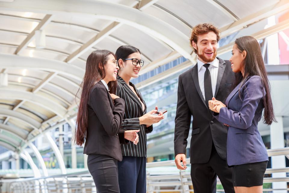 【ビジネス英語】挨拶、相槌、質問、要望などビジネスシーンで使える英語フレーズ例文集 2番目の画像