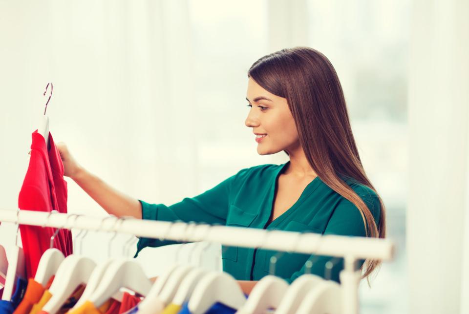 【辞令交付式のマナー】男女別の服装&受け取る手順をきちんと押さえてデキるビジネスマンに! 4番目の画像