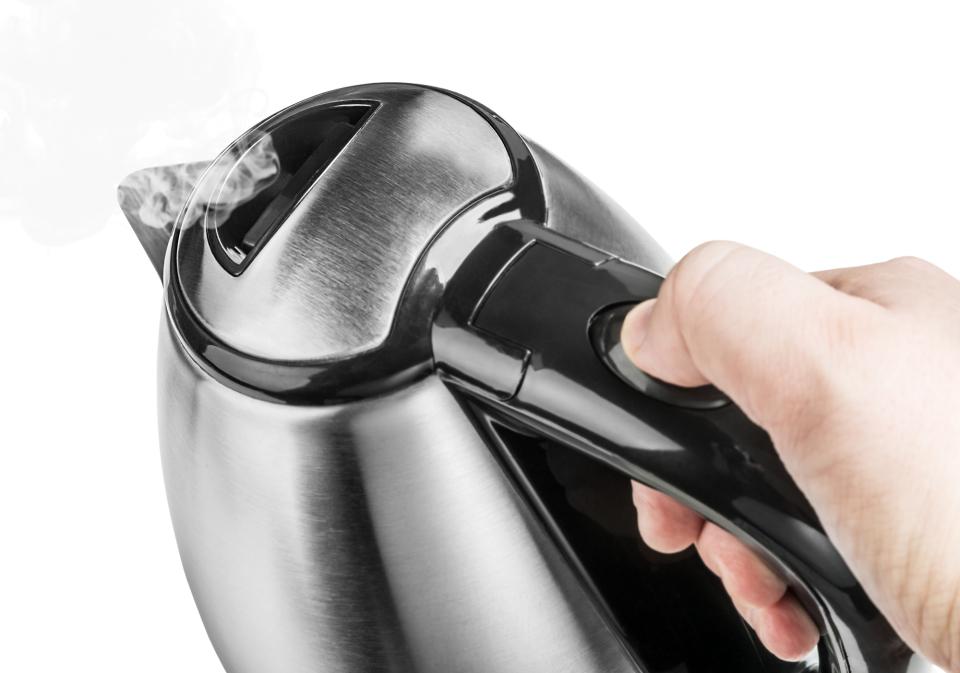 電気ケトルの臭いが気になる?電気ケトルの臭い消し方法 2番目の画像