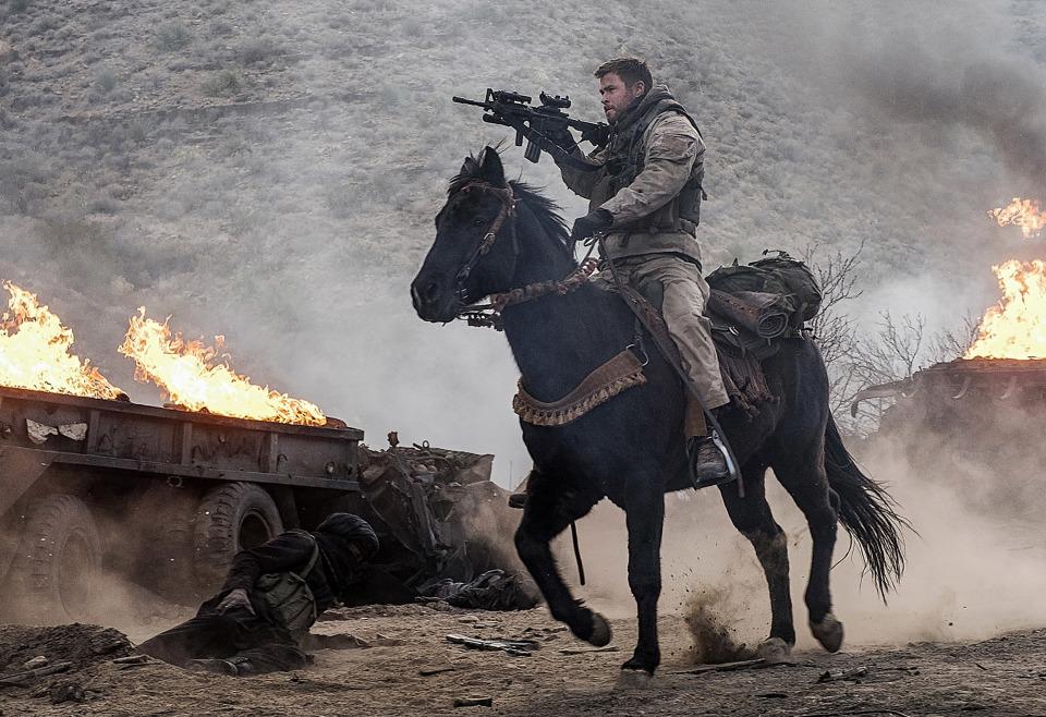 アフガンにいち早く足を踏み入れたアメリカ兵12人の実話が深く胸に刺さる映画「ホース・ソルジャー」 1番目の画像