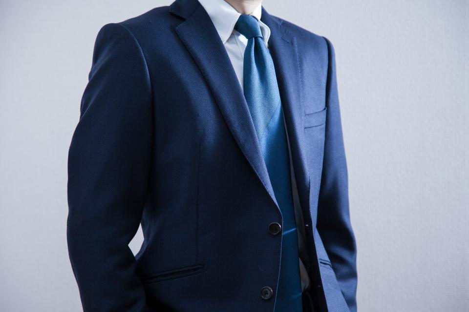 スーツを長持ちさせるクリーニング頻度!スーツクリーニングの相場や日数、お手入れのコツを徹底解説 4番目の画像