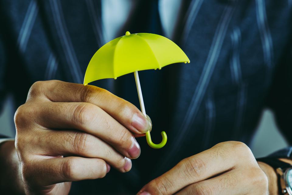 おしゃれで機能的なメンズ傘ブランド8選!長持ちするメンズ傘の選び方&ブランドを解説 1番目の画像