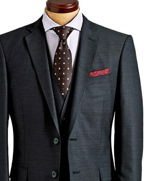 結婚式にNGなスーツって?男性ゲストの結婚式服装マナー&王道スーツコーデ 2番目の画像