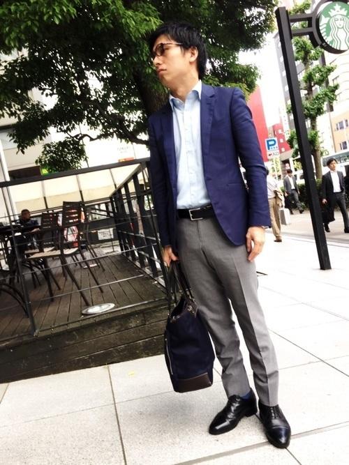 スーツが上下別、色違いはあり?なし?上下別×色違いのスーツ着用時のビジネスマナー 3番目の画像