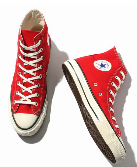 【最新版】メンズの赤スニーカーおしゃれコーデ術10選&おすすめ赤スニーカー 17番目の画像