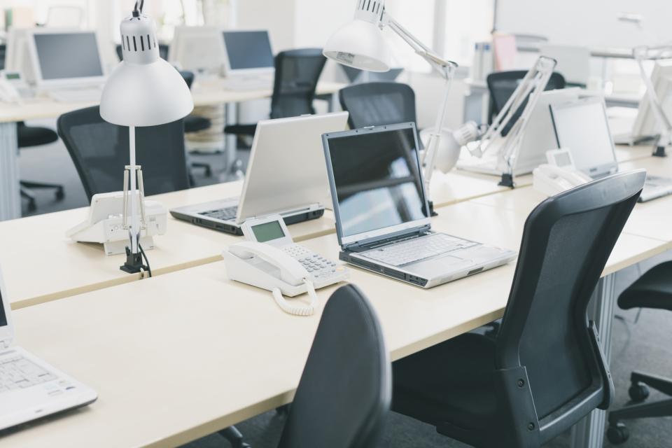 仕事力と印象UP!オフィスデスク&ロッカーの楽チン収納術 2番目の画像