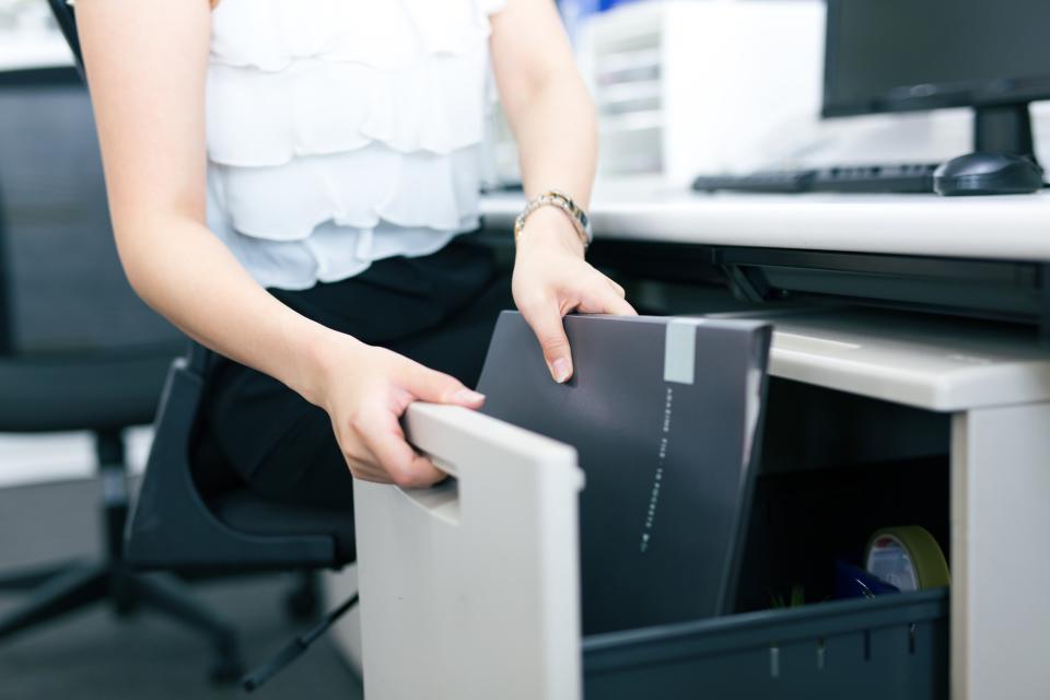 仕事力と印象UP!オフィスデスク&ロッカーの楽チン収納術 1番目の画像