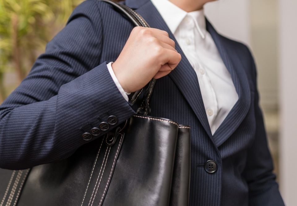 面接官に好印象!転職面接に役立つ「女性の服装マナー」 6番目の画像