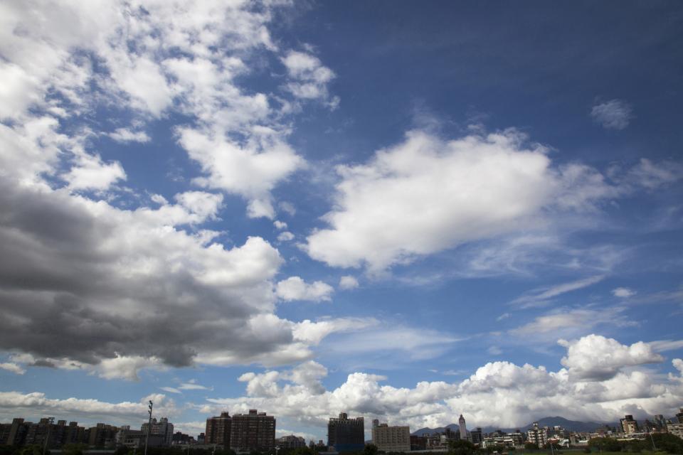 西田宗千佳のトレンドノート:「2年限定サマータイム」はどれだけ無駄なのか 1番目の画像
