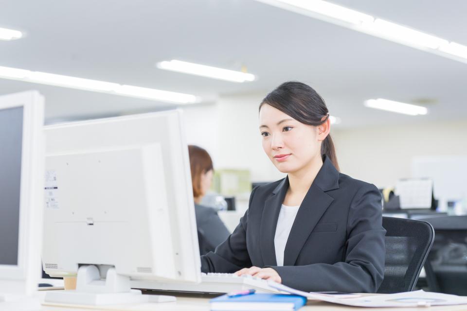 黙々と仕事をやるタイプは仕事が遅い?仕事が遅いと怒られる人が陥りがちな3つのこと 1番目の画像