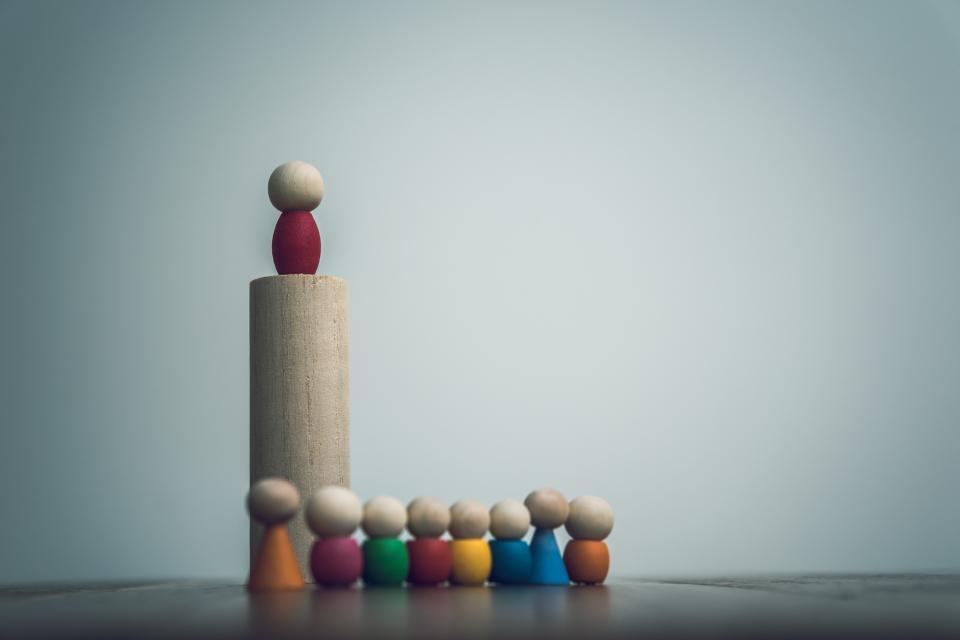 なぜ、優秀なプレイヤーがリーダーになると評価を落とす? 脳機能を低下させる「働きすぎ」の弊害 1番目の画像