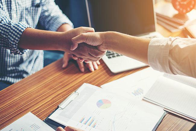 ラクーンフィナンシャルとサムライインキュベートがパートナー連携を開始、スタートアップが営業活動に専念できる環境を提供 1番目の画像
