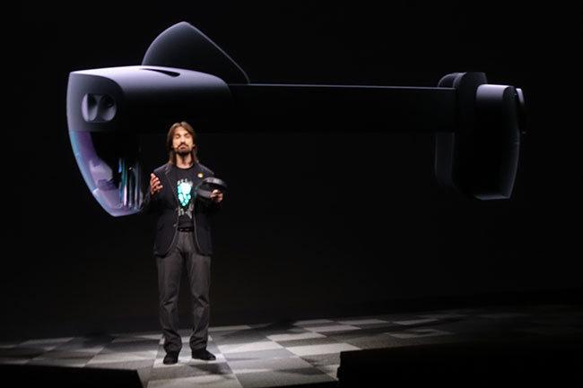 西田宗千佳のトレンドノート:マイクロソフトがHoloLens 2を「モバイル関連展示会」で発表する意味   1番目の画像
