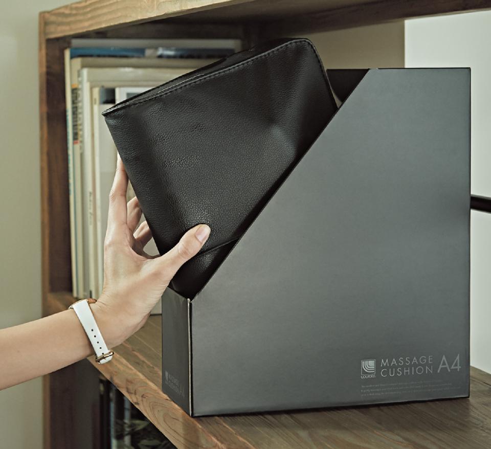オフィスに馴染む。A4サイズのマッサージクッションが登場  3番目の画像