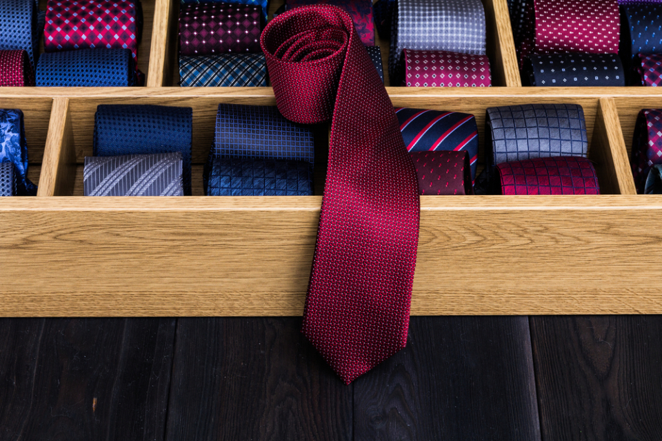 ネクタイの色と柄の選び方|「色の知識」と「なりたい印象」でイメージアップを狙おう 3番目の画像