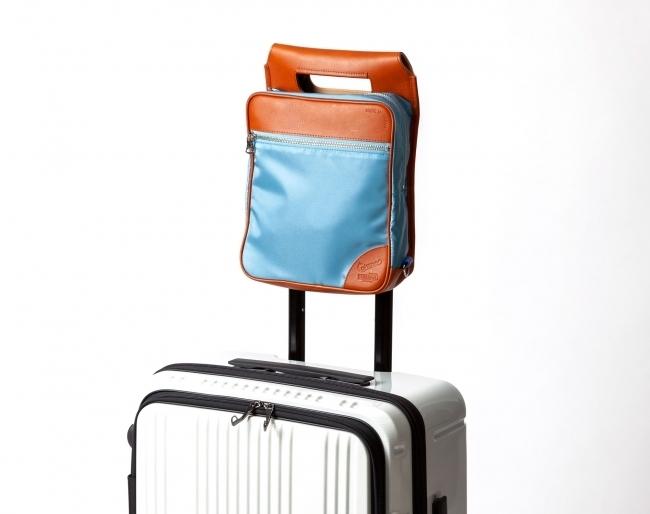 伝統の職人技と機能性とファッション性を兼ね備えた、ハイブリッドなバッグが新登場。オンオフ問わないこなれ感が秀逸! 2番目の画像