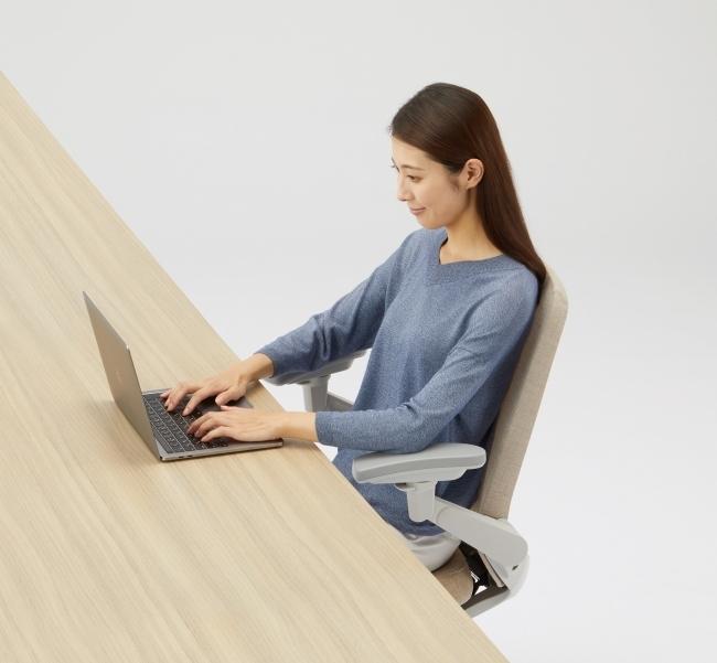 カジュアルなオフィスにも合う高機能なタスクチェアが新発売 4番目の画像