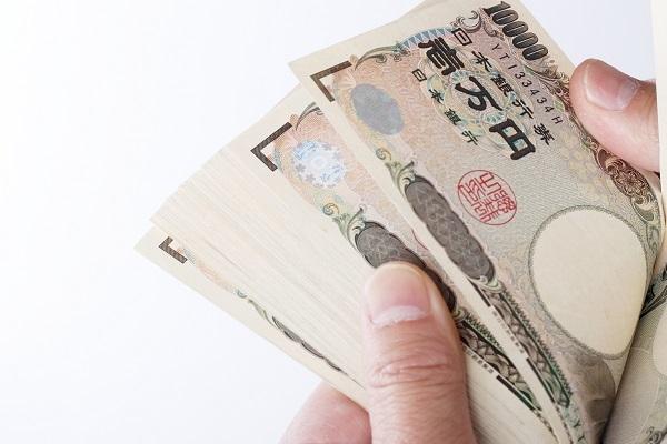 2019年冬のボーナス、平均支給額は43万円。使い道1位は貯金 まねーぶ調べ 1番目の画像
