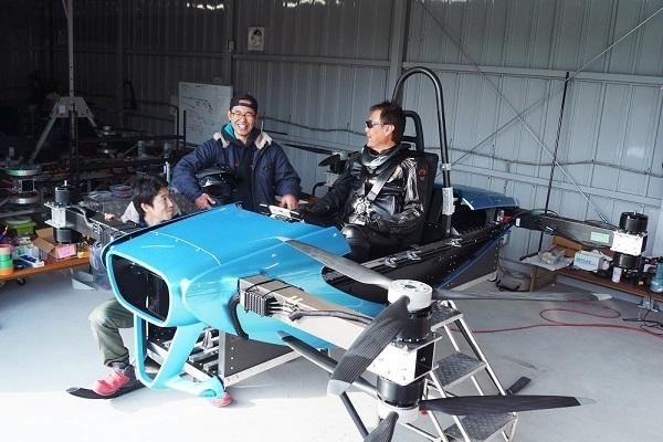 SkyDrive「空飛ぶクルマ」の有人飛行試験を開始 2023年発売を目指す 1番目の画像
