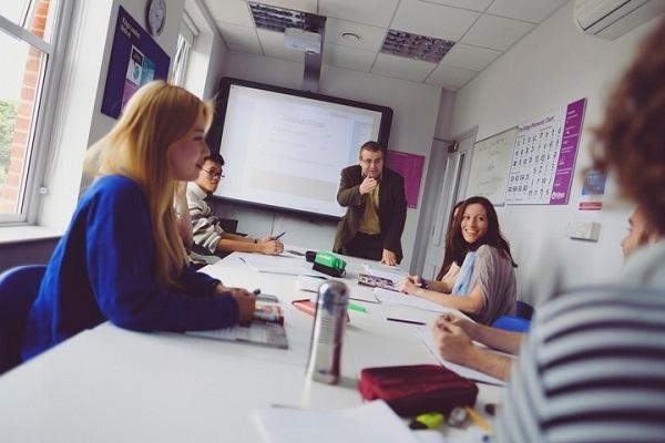 留学ジャーナルが社会人対象に「ロンドン留学奨学生」を募集中 語学力不問、授業料・滞在費・航空運賃を全額支給 3番目の画像