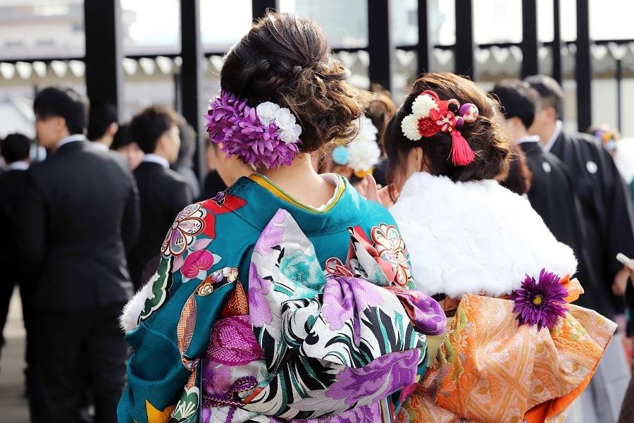 新成人の73%「いずれ結婚したい」、日本の将来が「明るい」は13%│LINEが1.5万人にアンケート 1番目の画像