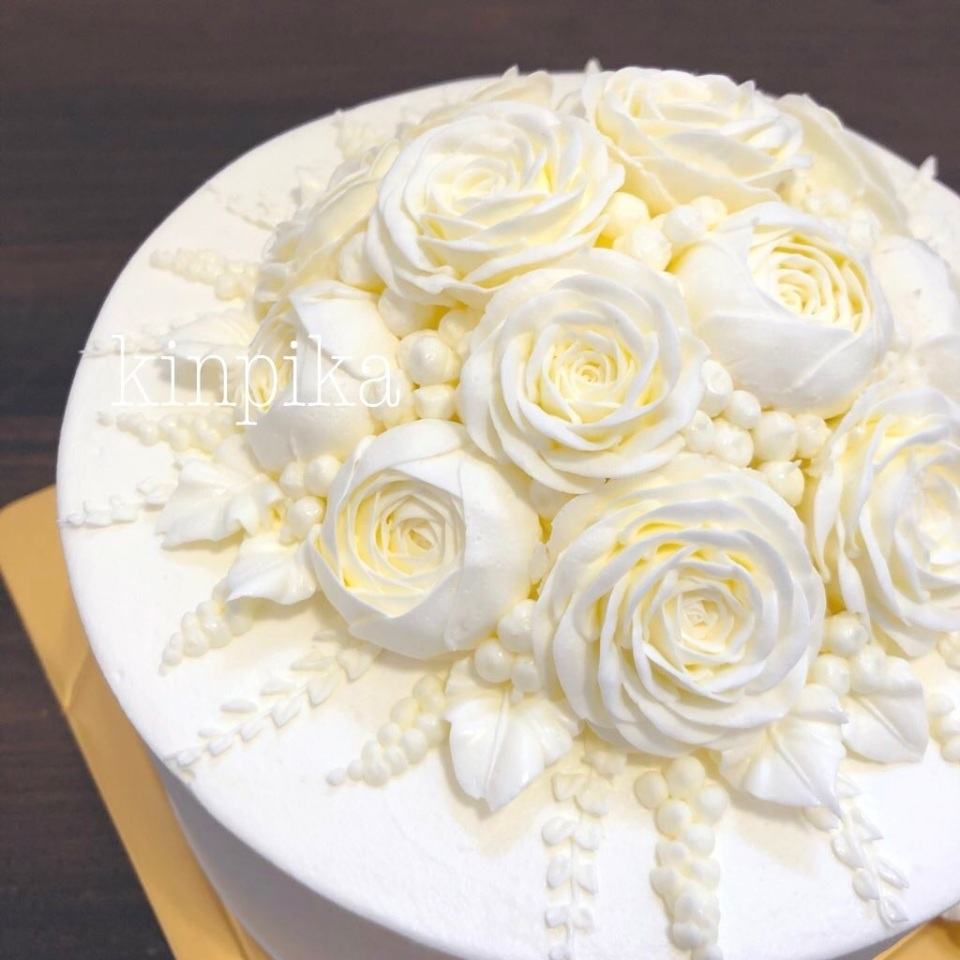 長野のオーダーケーキ専門店が生んだ純白フラワーケーキが話題 製作者が大切にする想いとは 2番目の画像