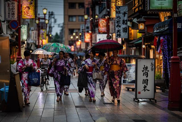 中華圏の訪日観光客は欧米豪圏より6倍買い物 インバウンド消費調査を発表 1番目の画像