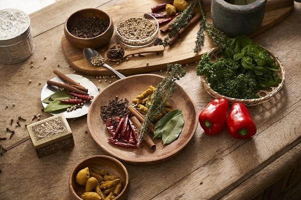 ハウス食品が「スパイスクレヨン」を開発、製品に適さない原料の有効活用に挑んだチームの工夫と熱意とは 4番目の画像